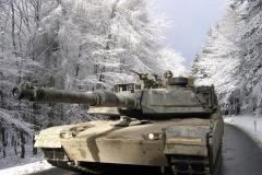 728px-M1A_Abrams_im_Taunus